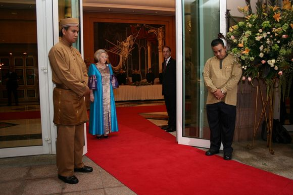 Klaar for ontvangst van Sultan.jpg