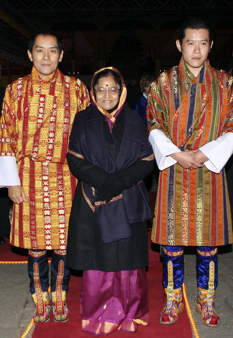 Bhutans Kings meet & greet Indias Prez - News Summary ROYALBLOG.NL